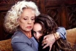 Vanessa Paradis et Jeanne Moreau dans Un Amour de Sorcière (1997)