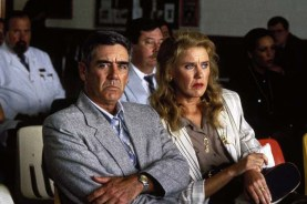 R. Lee Ermey et Celia Weston dans Dead Man Walking (1995)