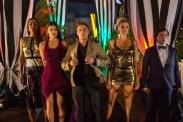 Alexandra Daddario, Zac Efron, Ilfenesh Hadera, Jon Bass, et Kelly Rohrbach dans Baywatch (2017)
