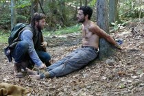 Joel Edgerton et Christopher Abbott dans It Comes at Night (2017)