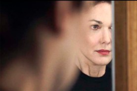 Laura Harring dans Inside (2016)
