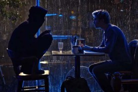 Nat Wolff et Lakeith Stanfield dans Death Note (2017)