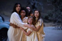 Grace Fulton, Stephanie Sigman, Philippa Coulthard, Tayler Buck, Lulu Wilson, et Lou Lou Safran dans Annabelle: Creation (2017)