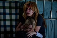 Bella Thorne et Mckenna Grace dans Amityville: The Awakening (2017)