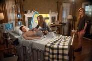 Jennifer Jason Leigh, Cameron Monaghan, et Bella Thorne dans Amityville: The Awakening (2017)