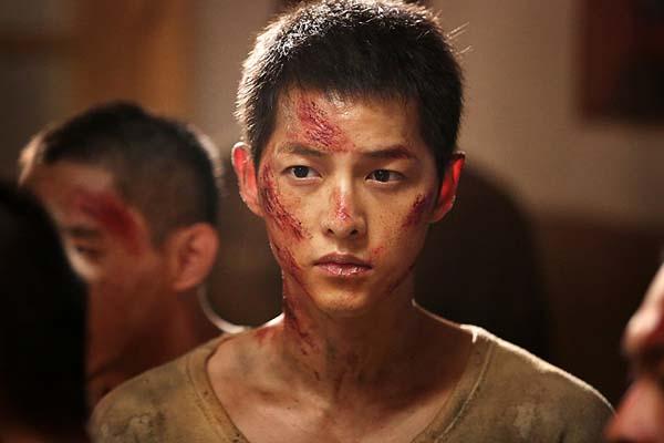 Song Joong-Ki dans The Battleship Island (2017)