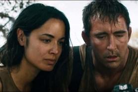 Lee Pace et Bérénice Marlohe dans Revolt (2017)