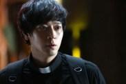Kang Dong-won dans The Priests (2015)