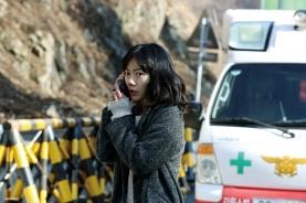 Bae Doo-na dans Tunnel (2016)