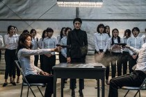 Kim Ok-bin et Kim Seo-hyung dans The Villainess (2017)