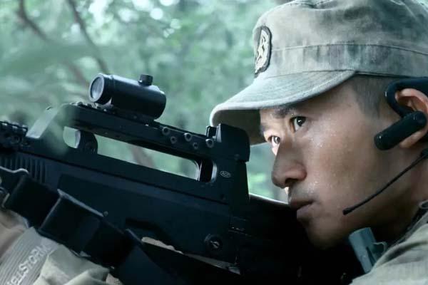 Wu Jing dans Wolf Warriors (2015)