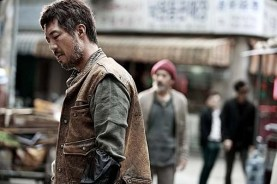 Ahn Gil-kang dans The Divine Move (2014)