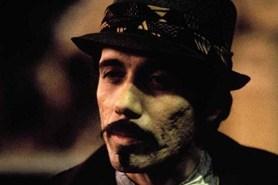 Edward James Olmos dans Blade Runner (1982)