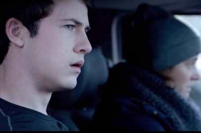 Piercey Dalton et Dylan Minnette dans The Open House (2018)