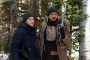 Elizabeth Olsen et Jeremy Renner dans Wind River (2017)