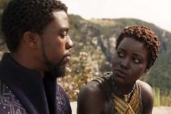 Chadwick Boseman et Lupita Nyong'o dans Black Panther (2018)