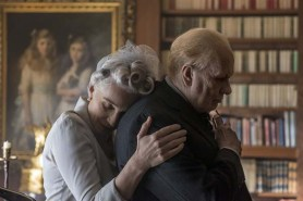 Gary Oldman et Kristin Scott Thomas dans Darkest Hour (2017)