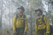 Miles Teller et Taylor Kitsch dans Only the Brave (2017)