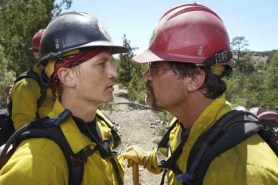 Josh Brolin et Miles Teller dans Only the Brave (2017)