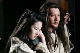 Liu Yifei et Feng Shaofeng dans White Vengeance (2011)