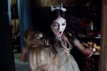Emilia Jones dans Ghostland (2018)