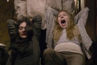 Crystal Reed et Anastasia Phillips dans Ghostland (2018)