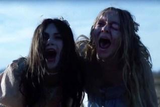 Emilia Jones et Taylor Hickson dans Ghostland (2018)