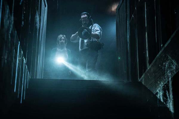 Lin Shaye et Angus Sampson dans Insidious: The Last Key (2018)