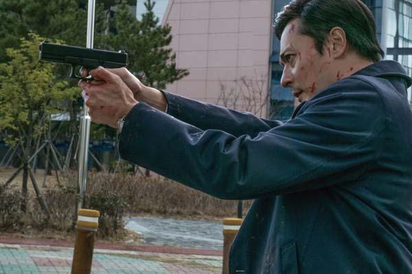 Jang Dong-gun dans V.I.P. (2017)
