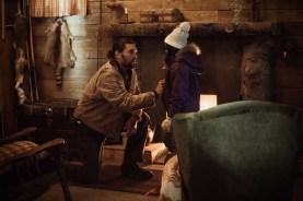 Jason Momoa et Sasha Rossof dans Braven (2018)