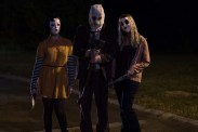 Damian Maffei, Lea Enslin, et Emma Bellomy dans The Strangers: Prey at Night (2018)