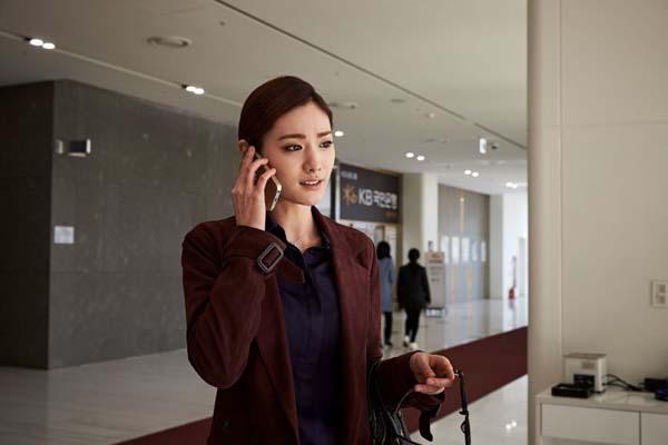 Im Jin-ah dans The Swindlers (2017)