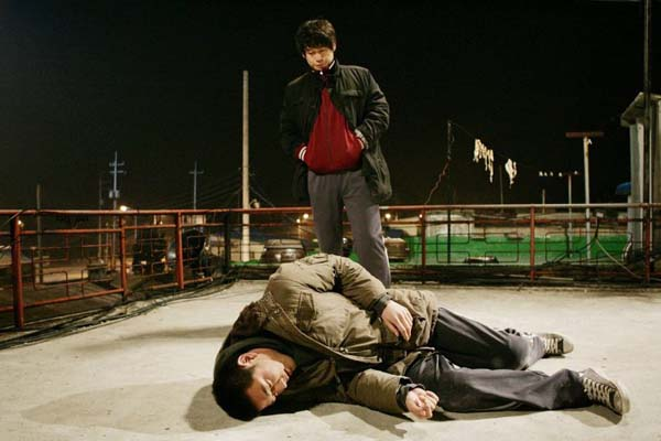 Sol Kyung-gu et Jo Han-sun dans Cruel Winter Blues (2006)