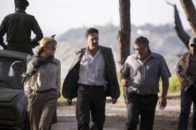 Rosamund Pike, Jon Hamm et Dean Norris dans Opération Beyrouth (2018)