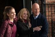 Elisabeth Shue, Bruce Willis et Camila Morrone dans Death Wish (2018)
