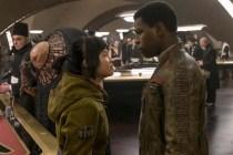 John Boyega et Kelly Marie Tran dans Star Wars: Episode VIII - The Last Jedi (2017)