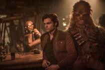 Alden Ehrenreich et Joonas Suotamo dans Solo: A Star Wars Story (2018)