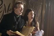 Gary Oldman et Odette Annable dans The Unborn (2009)