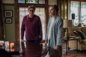 Gabriel Byrne et Toni Collette dans Hereditary (2018)