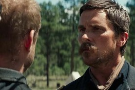 Christian Bale et Ben Foster dans Hostiles (2017)