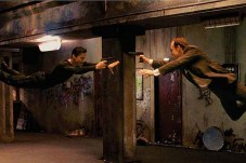 Keanu Reeves et Hugo Weaving dans The Matrix (1999)