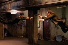 Keanu Reeves et Hugo Weaving dans The Matrix (1999)
