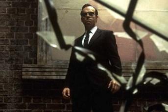 Hugo Weaving dans The Matrix (1999)