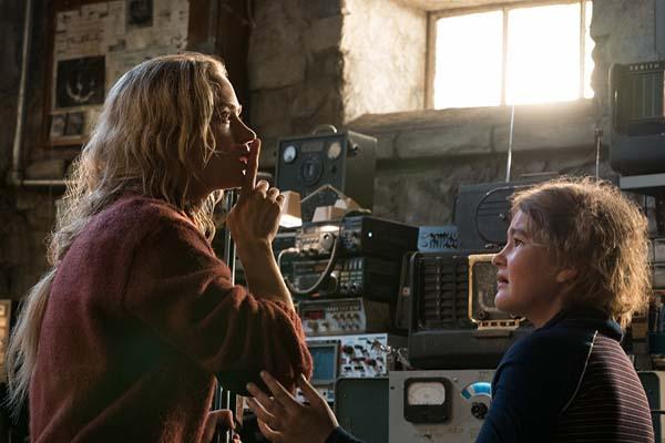 Emily Blunt et Millicent Simmonds dans A Quiet Place (2018)