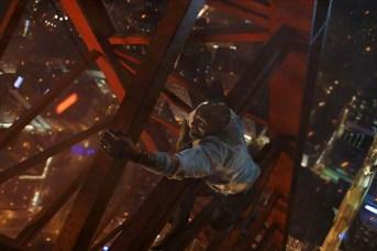 Dwayne Johnson dans Skyscraper (2018)