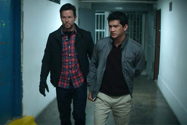 Mark Wahlberg et Iko Uwais dans Mile 22 (2018)