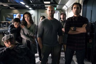 Jason Statham, Cliff Curtis, Bingbing Li, Page Kennedy, et Ruby Rose dans The Meg (2018)