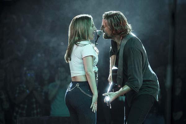 Bradley Cooper et Lady Gaga dans A Star Is Born (2018)
