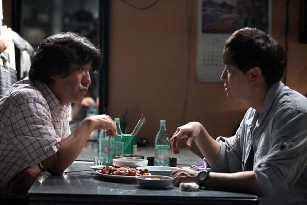 Ryu Seung-ryong et Park Yong-woo dans Children (2011)
