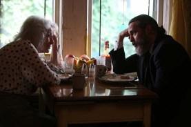 Joaquin Phoenix et Judith Roberts dans You Were Never Really Here (2017)